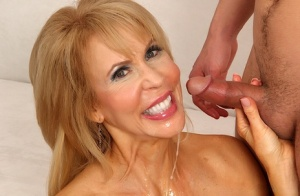 Hot blonde granny Erica Lauren sports a pearl necklace after sex with a boy 47475361