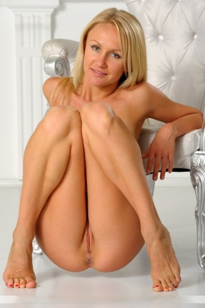 Natural blonde Victoria K show her tan lined figure without any clothes on 78596819
