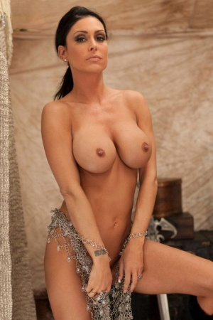 Busty mature woman Jessica Jaymes finger spreads her pierced pussy in a tent 63923209