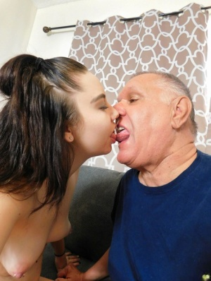 Teen amateur Jessica tongue kisses an old man before giving him oral sex 16569688