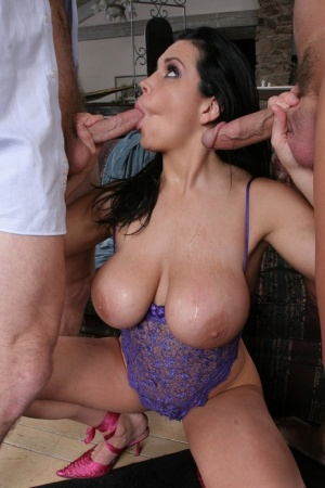 Curvy MILF gets facialized after threesome anal fun with well-hung lads
