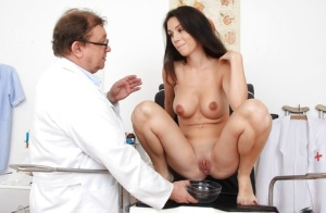 Pretty babe Maya with bit tits adores when gyno looks into her cunt
