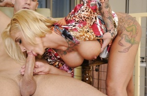 Sweet cougar Pamela Balian sniffs and pretty cock and fucks it