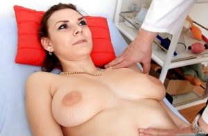 Sweet chick Anna is brave enough to show her pussy to horny gyno