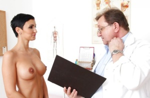 Gorgeous lady Gabrielle Gucci allows gyno to do whatever he wants