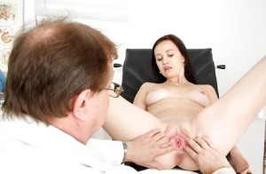 Hot gyno fetish scene with naughty Emma Pearl that loves to pee