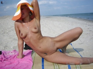 Amateur footage from the beach with naked young blonde girlfriend