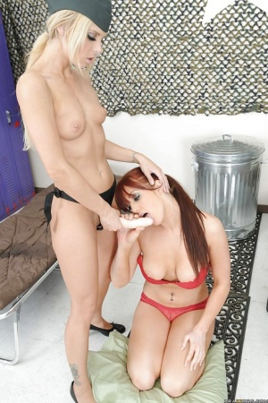Lesbian Veronica Ricci and Ashley Steel are toying and fucking