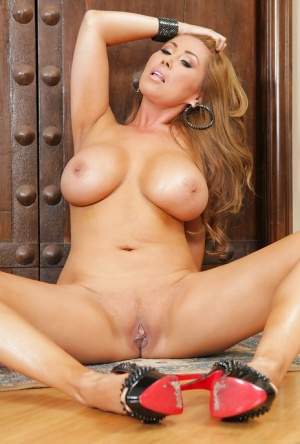 Appetizing Asian milf Kianna Dior with big melons and shaved pussy