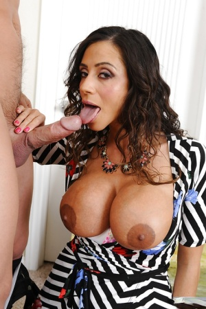 Ariella Ferrera prefers fucking with young guys and gets a cumshot