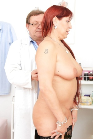 Prepossessing milf Darja showing boobs and pussy to her doctor