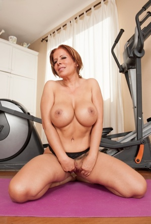 Sporty milf Nicky Ferrari is doing some workout absolutely naked 71159448
