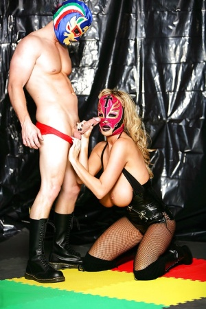 Amateur cosplay sex scene with a big tits milf lady Kelly Madison