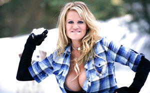 Big tits wife Kelly Madison shows her perfect milf body outdoor