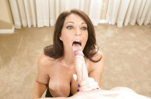 Cougar pornstar Charlee Chase has her milf pussy fucked in close up