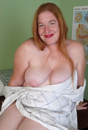 Redhead fatty mature Keno shows her lovely accurate snatch on cam