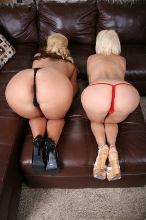 Lovely MILFs with big tits Phoenix Marie and Diamond Foxxx get naughty