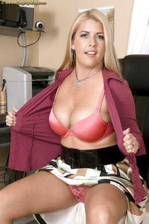 Blonde secretary Joclyn Stone shos her chubby ass and tits.
