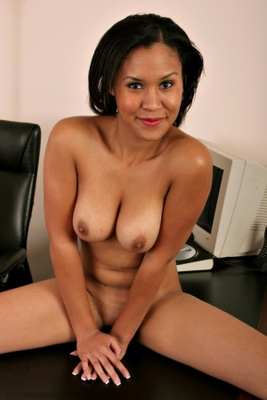 Amateur Latina babe unleashes big natural tits and ass in office