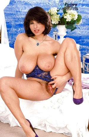 Brunette Euro mom Chloe Vevrier flaunting huge hangers and hairy underarms