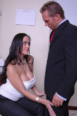 MILF babes Davia Ardell and Carmella Bing have groupsex in the office