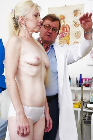 Older blonde in stockings having hairy snatch examined by gyno doctor