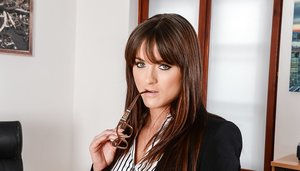 European office worker Lydia Lust stripping off skirt and leather panties 72627452
