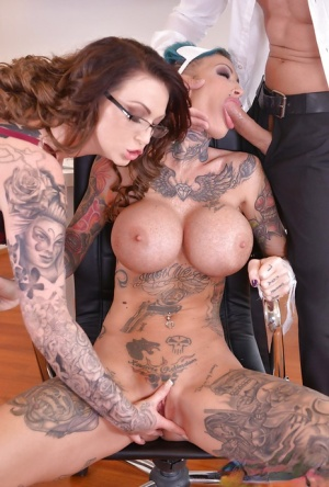 Calisi Ink along Harmony Reigns amazing threesome harsh play at the office
