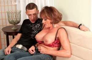 Mature mom Riley Wayne gets butt fucked after seducing the neighbours boy