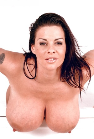 Brunette babe with huge bouncing boobs Linsey Dawn McKenzie in a crazy solo