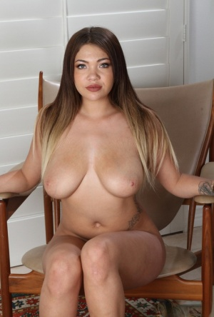 Latina chick Cassidy Banks gets naked for the first time before masturbating 61571345