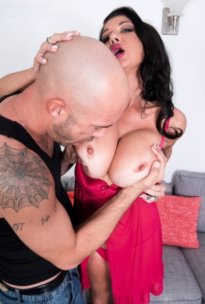Busty middle-aged woman Nadia Night takes it up the ass from a large dick