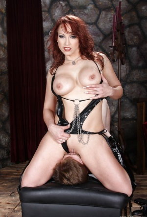 Busty femdom Nicki Hunter facesitting her slave and getting her pussy licked