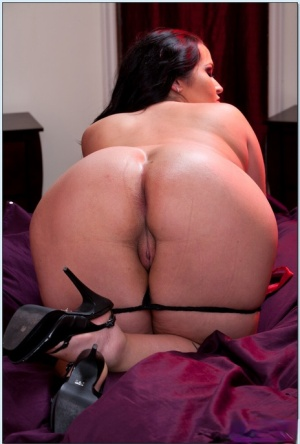 BBW wife Carmella Bing stripping from red corset and squeezing big tits