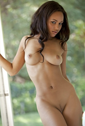 Ebony sugar Kaylia Cassandra slowly uncovering her perfect body