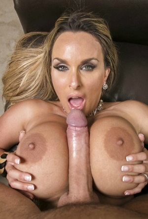 Juggy cougar Holly Halston has some hardcore fun with a huge fat boner